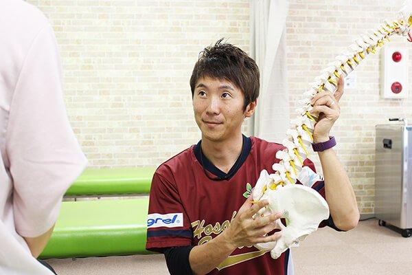 骨盤矯正の治療風景